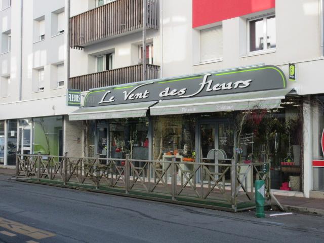 Vendée - FLEURISTE avec grand linéaire vitrine